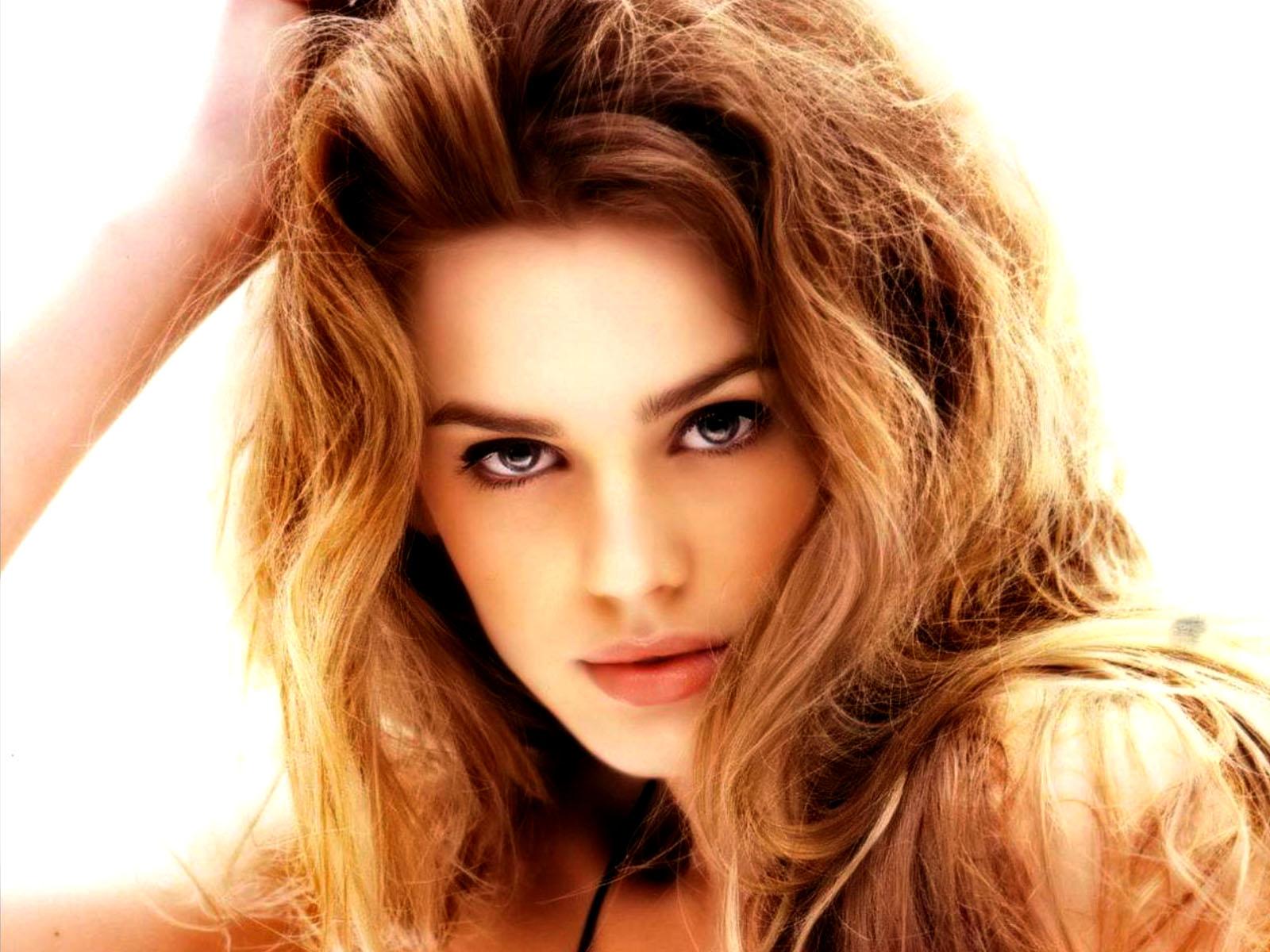 Vanessa Hessler - Actress Wallpapers